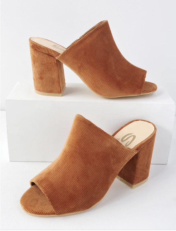 fall heeled mules fall 2018 accessory trends